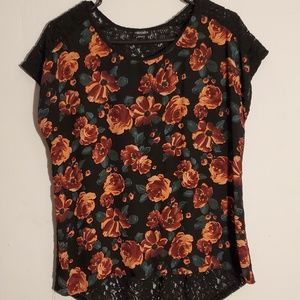 Floral print top, lace on the back